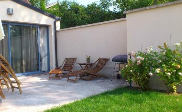 Offres de location Rez de jardin Neauphle-le-Vieux 78640